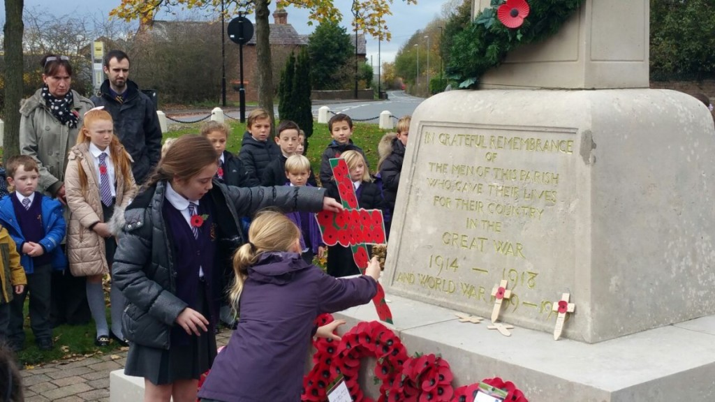 Year 5 leaving their messages of rememberance. 11/11/15
